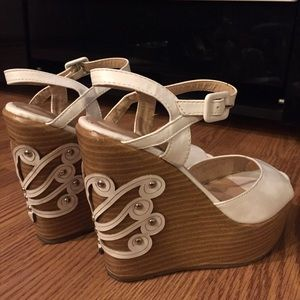 Paola Bacelli Shoes - White Detailed Wedges