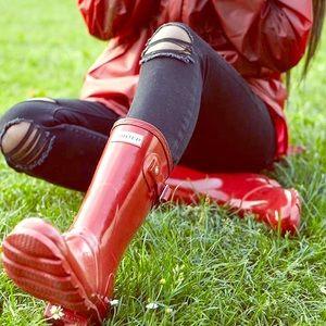 NWT red tall gloss hunter rain boots size7 in box!