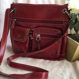 Giani Bernini Handbags - GIANI BERNINI RED LEATHER CROSSBODY 🎒