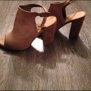 amazing lace Shoes - Taupe heeled open toed shoe