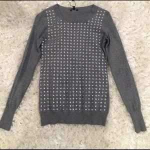 Fitted crew neck sweater with nailhead detail