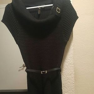 red paint Sweaters - Long black sweater with belt size L