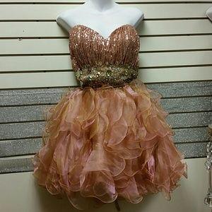 Dresses & Skirts - Party dress