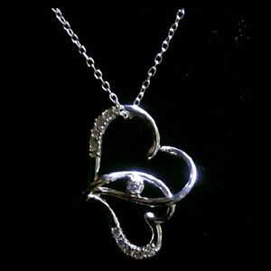 Jewelry - Hearts intertwined Necklace