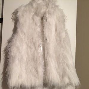 Jackets & Blazers - White faux fur vest