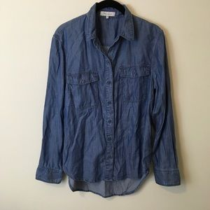 Aritzia Tops - Tulula Aritzia Denim Chambray Button Down Shirt