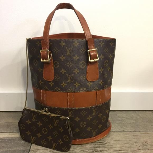 ebb56143155d Louis Vuitton Handbags - Authentic Vintage Louis Vuitton Bucket Bag GM