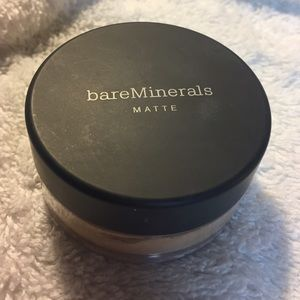 Bare mineral powder foundation in light