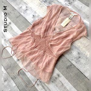 Studio M Tops - NWT- 💯 silk sheer blouse w/ cami, pinup pretty