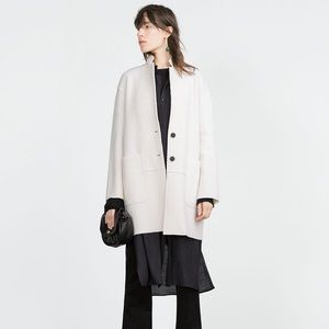 Zara Jackets & Blazers - ❗️Last one❗️ Zara knit coat / white
