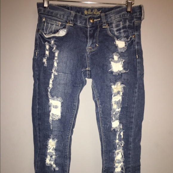 Denim - RED RIVET Capri Distressed Denim Sz 1