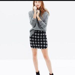 Madewell Dresses & Skirts - Plaod madewell skirt!