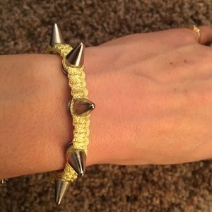 NWOT Yellow Silver spike bracelet
