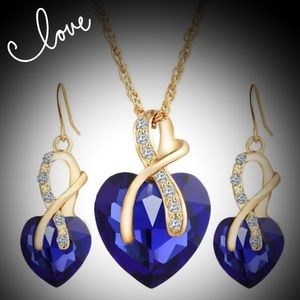 Beautiful blue crystal heart necklace & earrings
