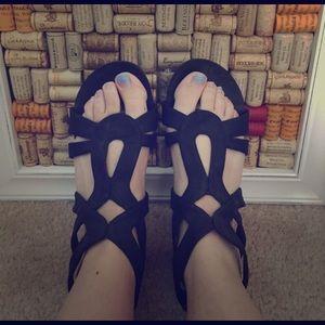 Black Poppy Shoes - Black poppy gladiator sandals