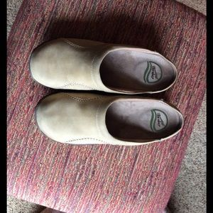 Dansko Shoes - ❤WINTER SALE❤️ Camel suede Dansko mules