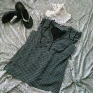 tapemeasure Tops - 💕SALE💕 LN tapemeasure Top Cap Sleeves Size 10