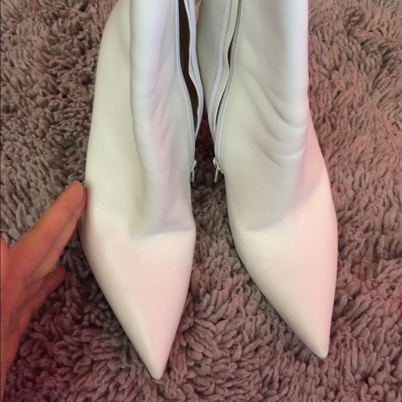 online store d87e4 6ae58 Christian Louboutin White So Kate Ankle Boots 39