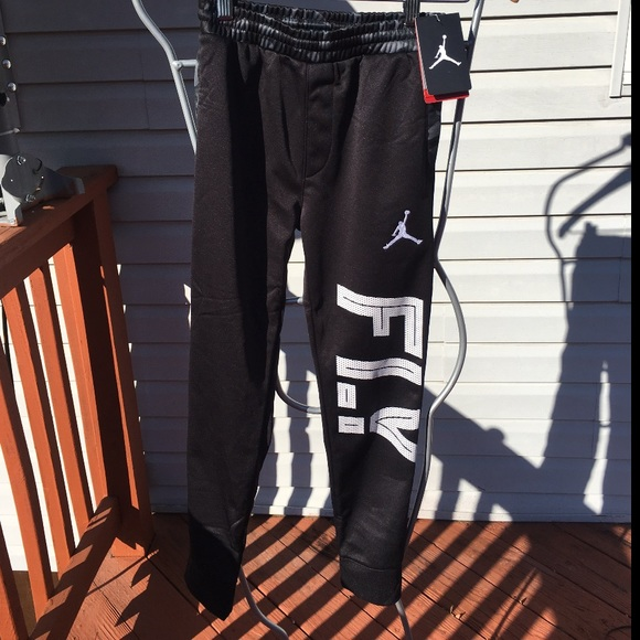 3c96ff1c63d112 YOUTH AIR JORDAN JOGGERS SIZE S (8-10 years)
