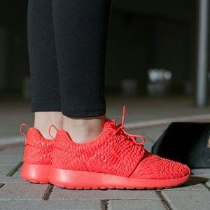 Nike Shoes - Nike Red Roshe DMB