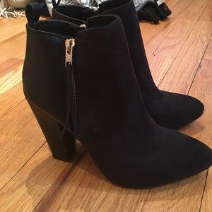Shoes - black bootie heels