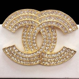 Gold triple layer brooch