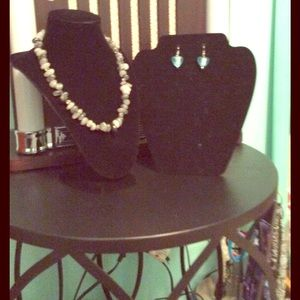Accessories - Necklace and earrings