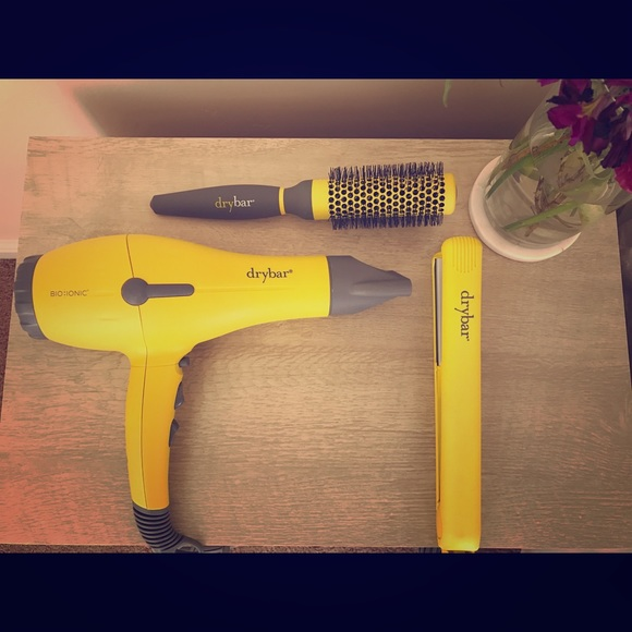 dry bar blow dryer brush