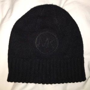 Super cute NEVER BEEN WORN Michael Kors beanie