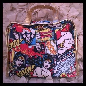 Soho Beauty Makeup Bag Wonder Woman