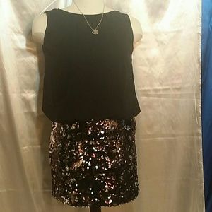 EUC * Beautiful dress with sequin bottom.