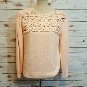 {vintage} Pink sweater with crochet chest