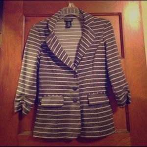 Soho Apparel Jackets & Blazers - Gray striped blazer 3/4 length