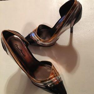 Anne Michelle Shoes - NWOT gorgeous black with metallic detail pump.