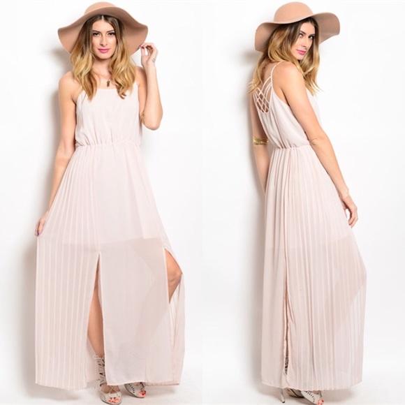 Dresses & Skirts - The Celine Maxi Dress