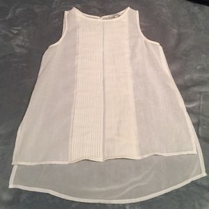 Madewell Tops - Madewell white top with keyhole back