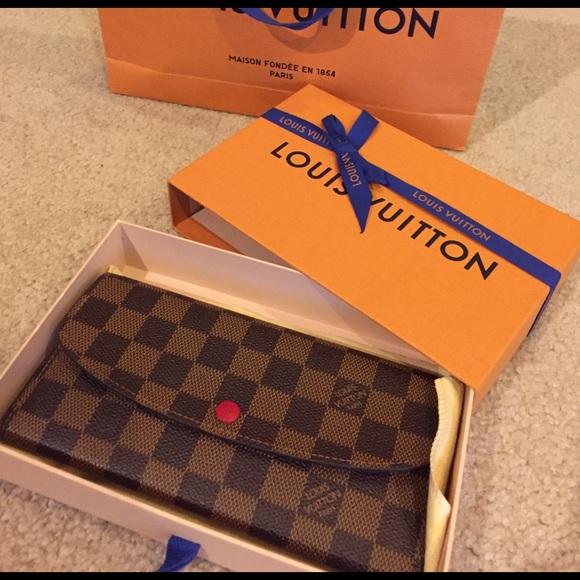 f47c3eca5865 Louis Vuitton Other - Louis Vuitton PF. EMILIE NM Damier wallet.