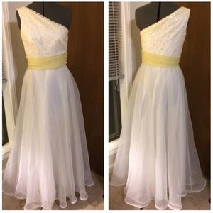 Alyce Paris Dresses & Skirts - White and yellow prom dress
