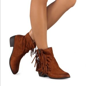 Qupid Shoes - Faux suede western fringe ankle booties