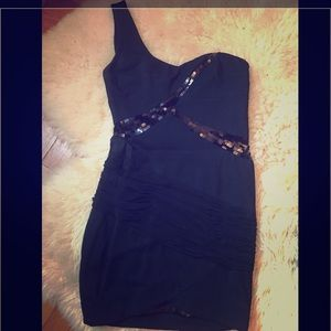 Detailed black short dress