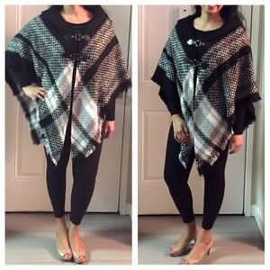 Nanette Lepore Sweaters - 🎉SALE🎉Nanette Lepore Poncho
