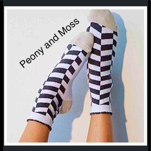 Peony and Moss Accessories - Peony & Moss Socks in Herringbone