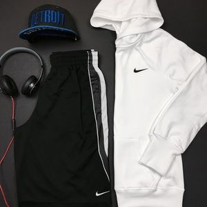 Nike Other - Nike Therma-Fit White Hoodie