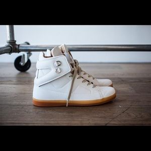 Maison Martin Margiela for H&M Shoes - MAISON MARTIN MARGIELA x H&M WHITE HIGH TOO SHOES