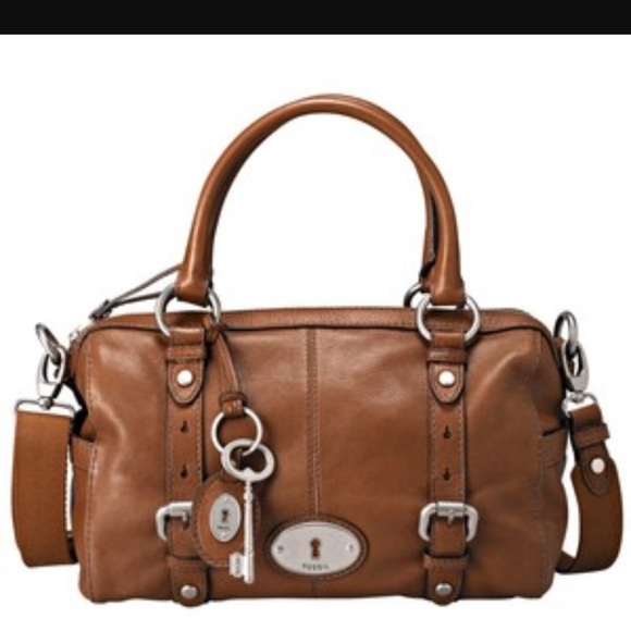 3325d83c3bf7 Fossil Handbags - Fossil Maddox vintage brown leather purse 👜💕