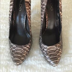Aldo brown snakeskin pumps 38