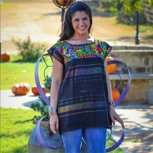 🌈New Handmade Embroidered Mexican Traditionsl Top
