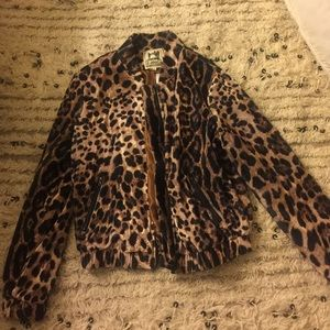 LF stores Jackets & Blazers - NWT LF VELVET CHEETAH BOMBER!!