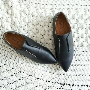 independent Shoes - Black Pu leather pointed toe festival flats loafer