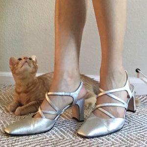 Vintage silver strap elegant sandal heels